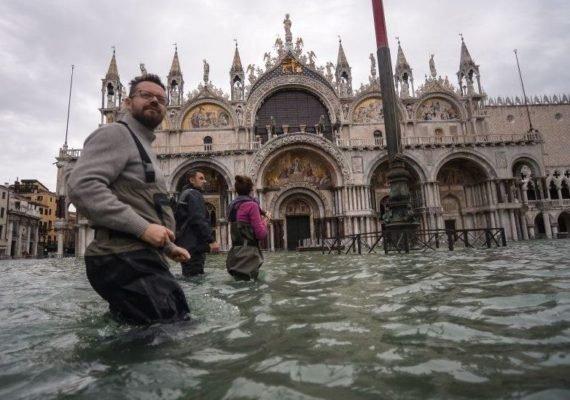 """El sistema de compuertas intenta evitar  la denominada """"Aqua Alta"""" que inunda gran parte de la ciudad, como la histórica Plaza San Marco."""