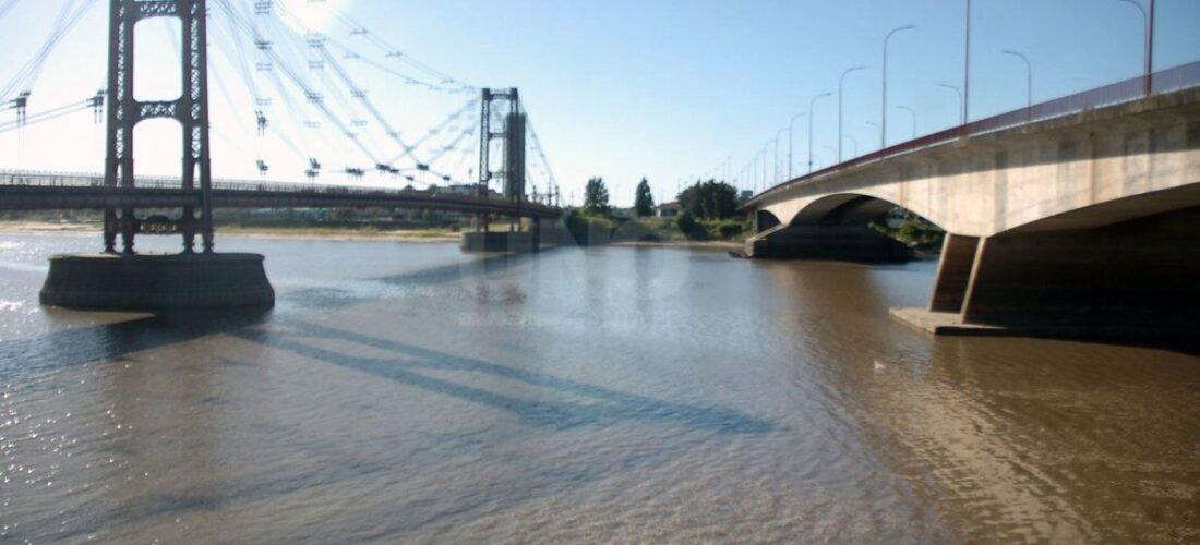 Laguna Setubal en San Fe. Puente Colgante y Puente Nuevo.
