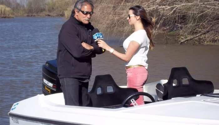 "Lorena Franceschetti (conductora de Paralelo Cero) entrevistando a Mirco Modric, propietario de ""Plan B"". Año 2013"