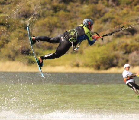 Y hablamos de KiteSurf, uno de los deportes individuales habilitados en esta nueva etapa de la pandemia.