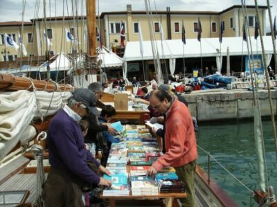Barco biblioteca Venecia (2)